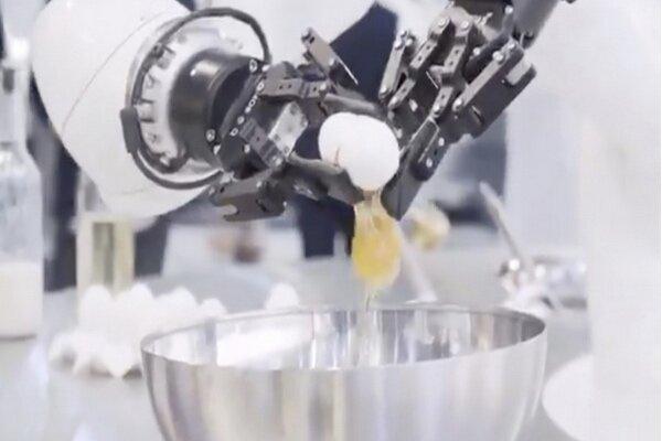 رباتی که در جیتکس پنکیک می پزد!