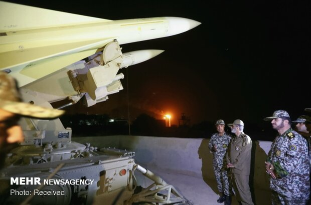 Iranian commander visits 'Persian Gulf Air Defense HQ'