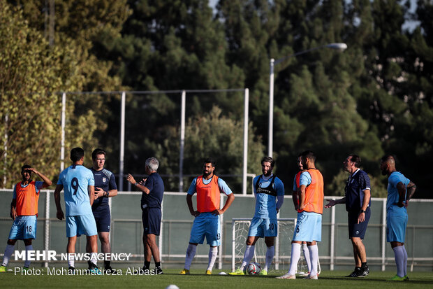 رنگ پیراهن تیم ملی فوتبال ایران برابر کامبوج مشخص شد