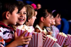 ۲ هزار و  ۴۰۰ کودک در شیراز به سینما رفتند