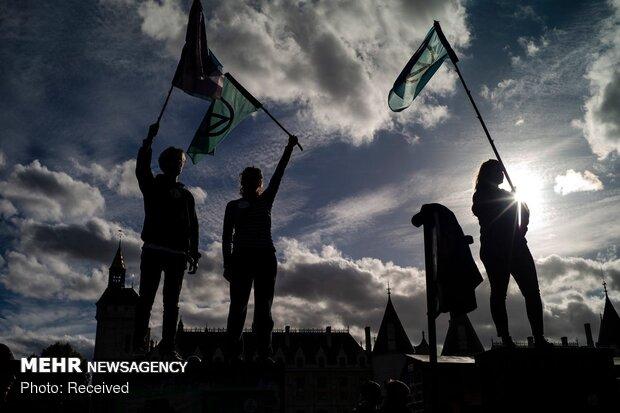 مظاهرات نشطاء أنصار الطبيعة في نقاط مختلفة من العالم