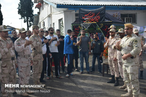 Guards see off foreign Arbaeen pilgrims at Astara border