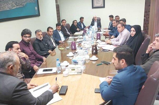 روند ارائه خدمات آب و برق به گلخانههای شهرستان بوشهر تسهیل شود