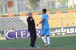 حسین فرکی از هدایت پیکان استعفا کرد