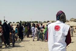توزیع لوازم التحریر و سبد کالای افق کوروش در روستاهای صعب العبور
