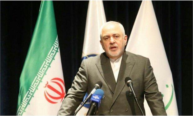 ظريف: دولة أو دول وراء استهداف الناقلة الايرانية