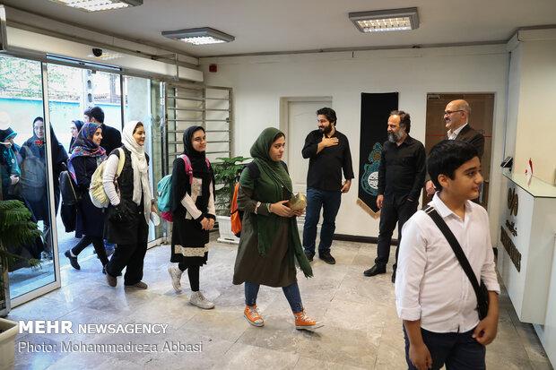 """زيارة الطلاب النخب الأوائل في """"معهد التربية الفكرية"""" لوكالة مهر /صور"""
