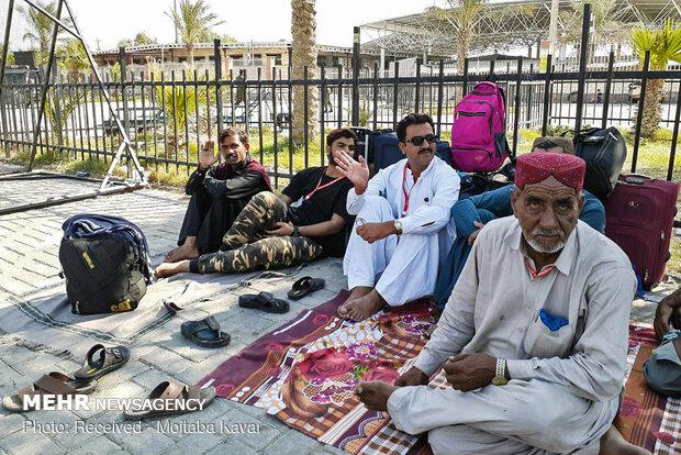 حضور زوار اربعین در مرز مهران