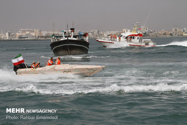 Police's naval drill in Persian Gulf