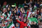 حضور زنان در ورزشگاه، مطالبات اصلی را به حاشیه نبرد!