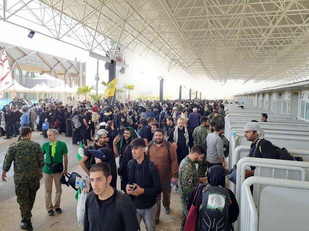 عبور ۱۳۲ هزار نفر طی ۱۲ ساعت از مرز مهران/ استقبال باشکوه است