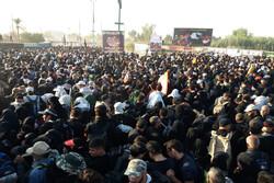 اسکان اضطراری بیش از ۳۶۰۰ زائر اربعین در خسروی