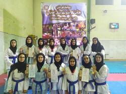 تیم تکواندو بانوان اردستان در مسابقات قهرمانی اصفهان درخشیدند