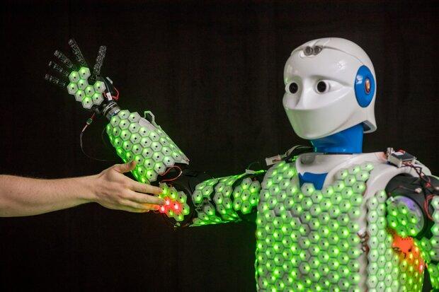 نخستین ربات انسان نما با پوست مصنوعی