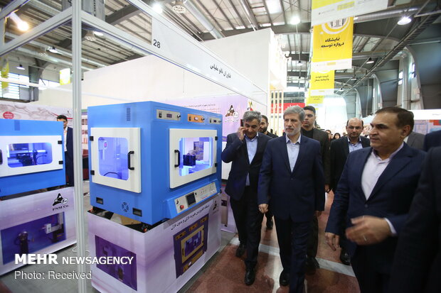 Hatami underlines nanotechnology's role in Iran's defense power