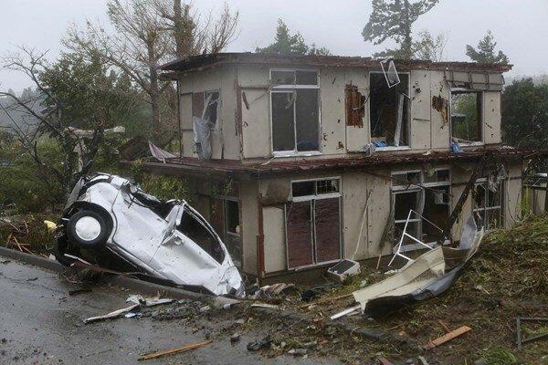 جاپان میں سمندری طوفان سے 10 افراد ہلاک ، 140 سے زائد زخمی