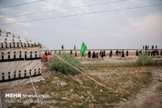 Arba'een pilgrims in Al-Khidhir, Muthanna Governorate, southern Iraq