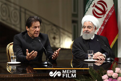 دلیل سفر نخست وزیر پاکستان به ایران چیست؟