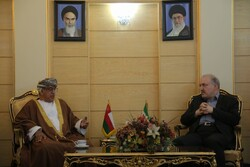 Omani minister hails Iran's great capacities in health sector