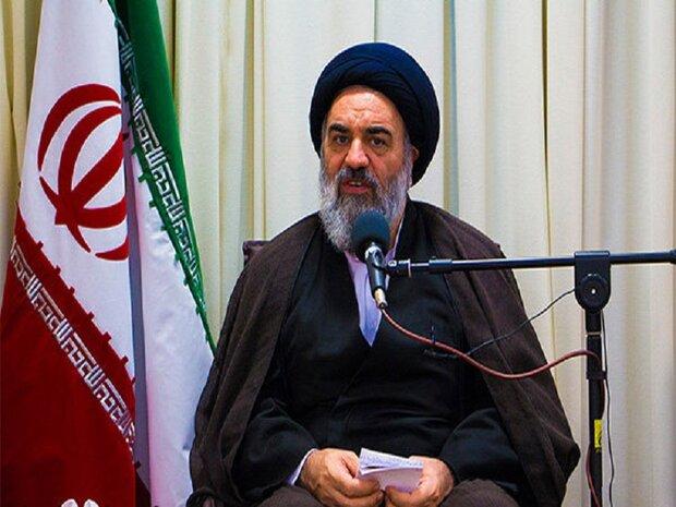 تمدن اسلامی شکل گرفته در جهان برگرفته از حرکت انقلاب ایران است