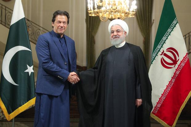 صدر روحانی کا سعد آباد محل میں پاکستانی وزیر اعظم کا استقبال / دونوں رہنماؤں کی اہم ملاقات