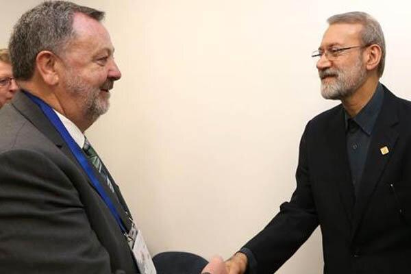 لاريجاني يرحب باعادة فتح السفارة الايرلندية بطهران