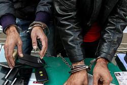بازداشت گوشیقاپان غرب پایتخت در عملیات تعقیب و گریز موتوری پلیس