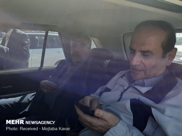 Energy min. pays visit to Mehran border