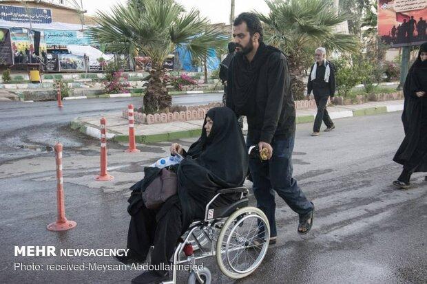 Khosravi border crossing Arbaeen pilgrims