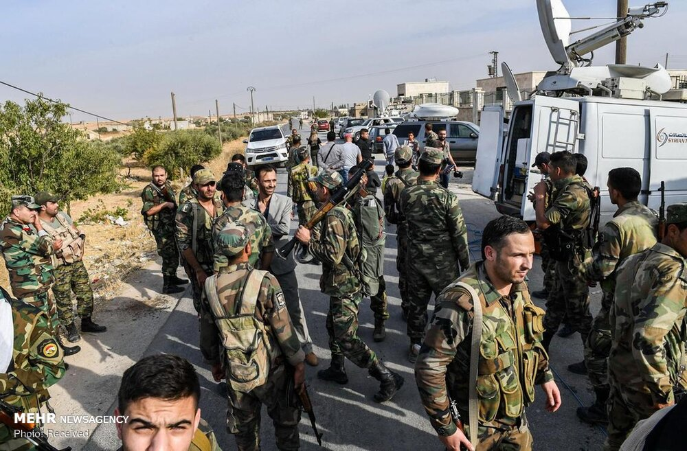 سربازان ارتش سوریه در شهر منبج