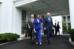جلسه ترامپ با نمایندگان کنگره به تنش کشیده شد