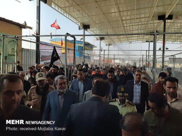 بازدید وزیر کشور از پایانه مرزی مهران