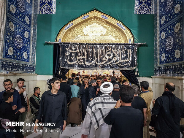 زائران اربعین در آغوش امامین عسکریین (ع)