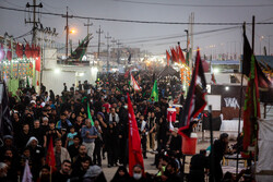 Arbaeen Pilgrims walking towards Karbala