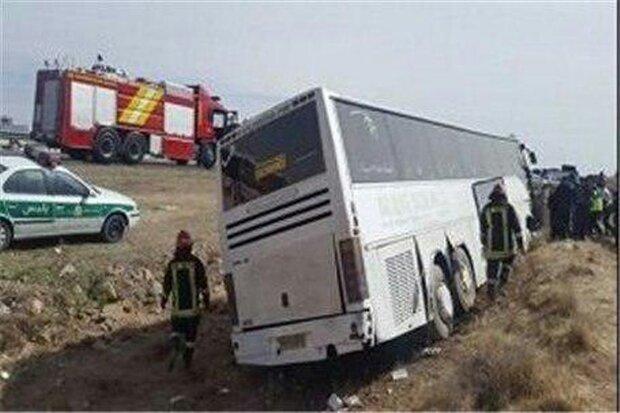 واژگونی اتوبوس حامل زوار در محور اسلام آبادغرب_حمیل