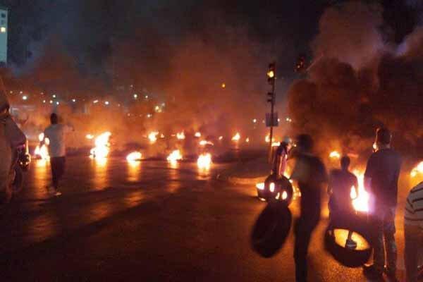 درگیری میان معترضان و نیروهای امنیتی در پل «رینگ» بیروت