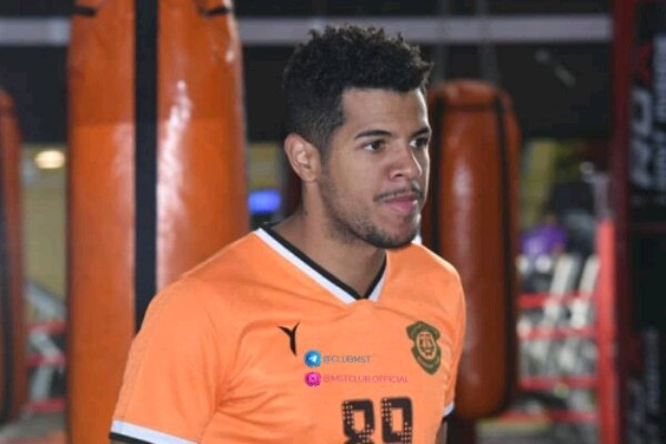 Brazilian soccer player Reis de Jesus signs contract with Iranian Machine Sazi FC