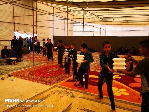 فعالیت ۲۲۰خادم در موکب علی بن موسی الرضا/۲۱۸هزار پرس غذا توزیع شد