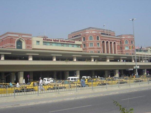 لاہور ایئر پورٹ سے نشہ آور گولیاں اور غیر ملکی کرنسی اسمگل کرنے کی کوشش ناکام