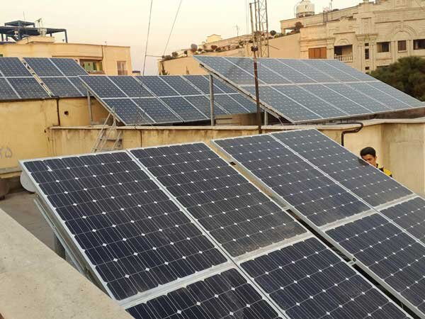 '2500 new rooftop PV stations under construction across Iran'