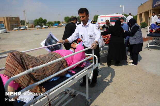 انتقال مصدومان پیاده روی اربعین از مرز مهران به ایلام