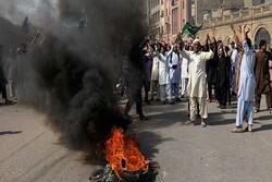 تظاهرات مسلمانان بنگلادشی در اعتراض به هتک حرمت پیامبر اکرم (ص)