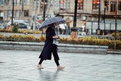 طهران ومناطق اخرى في ايران تشهد موجة جديدة من الامطار والثلوج