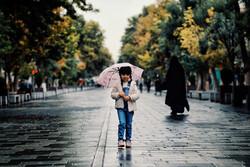 """اول زخات مطر خريفية بمدينة """"همدان"""" غربي ايران / صور"""