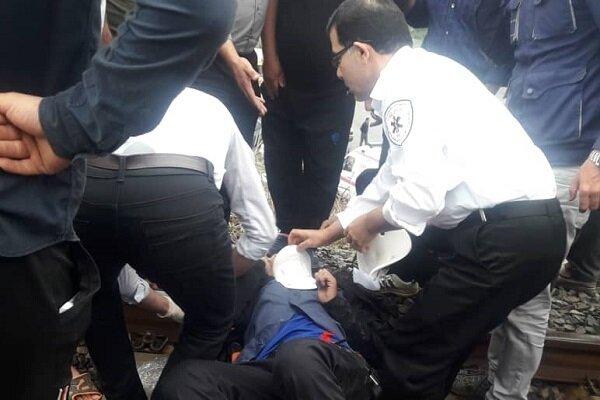 حادثه در ریل قطار پلیس راه سراوان به سنگر برای دانش آموز ۱۶ ساله