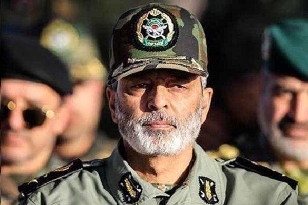 اللواء موسوي: مستعدون لتحقيق أهداف المرحلة ثانية من الثورة الاسلامية