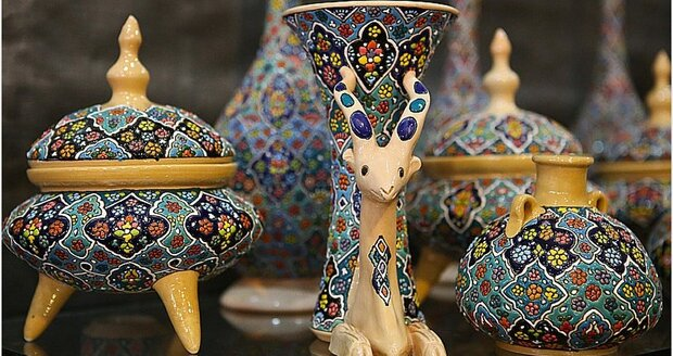 Hamedan hosting national crafts exhibit