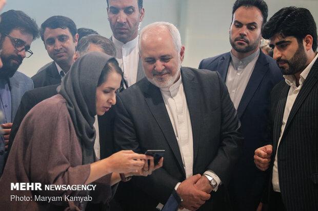 بازدید وزیر امور خارجه از کارخانه نوآوری آزادی