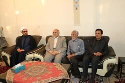 استاندار کرمان با خانواده شهید مدافع حرم سردار محمد جمالی دیدار کرد
