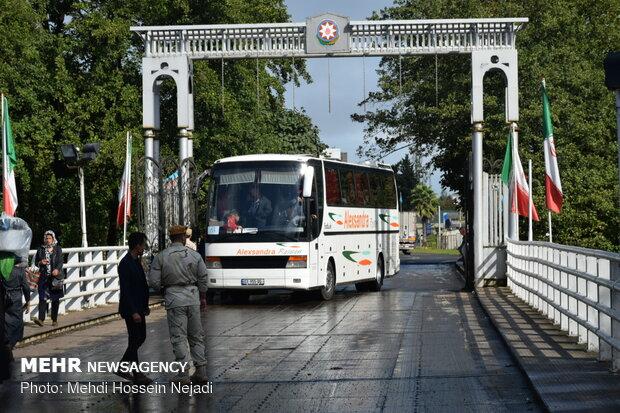 بدرقه زائران خارجی اربعین در مرز زمینی آستارا